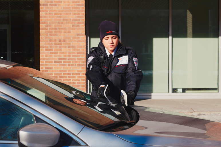 GardaWorld police force support service agent as part of our physical security services