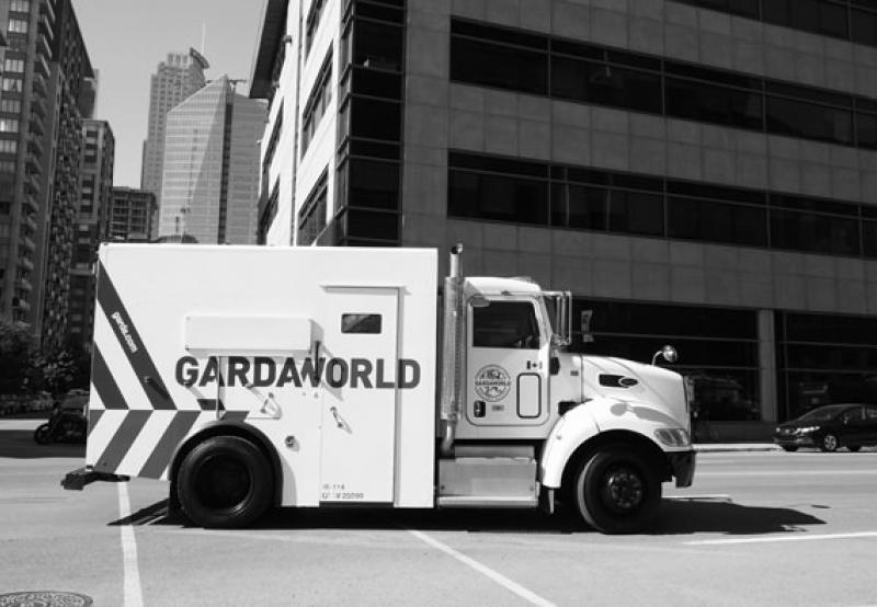 Armored truck transport Bilingual