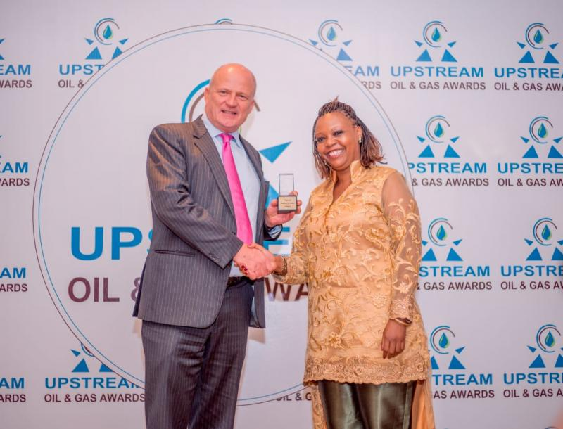 Chris Manning, the Managing Director of KK Security Kenya, accepting the award for Best Upstream Oil Operations Security Company